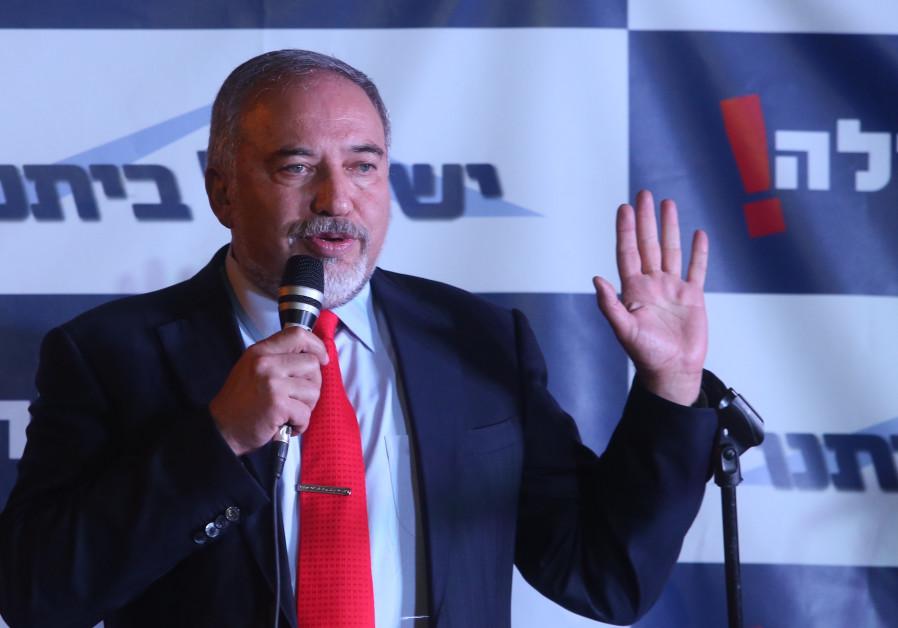 Liberman sürgeti az arab országokat, hogy kössenek békét Izraellel és fogjanak össze Iránellen