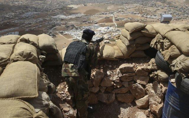 A libanoni fegyveres erők parancsnoka teljes készültséget rendelt el a délihatárnál
