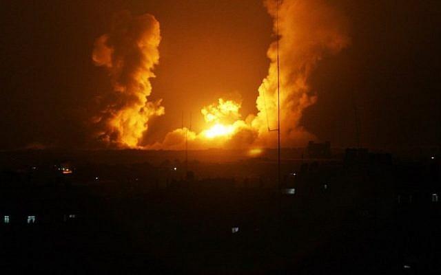 Megtorló légicsapások Gázában a határ mellett felrobbant bombamiatt