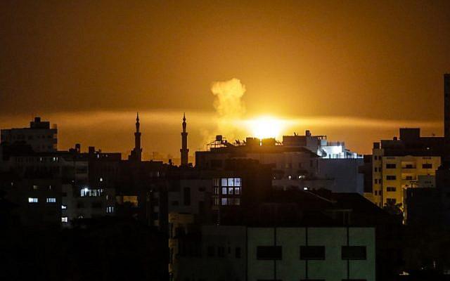 Izrael ismét megtorlócsapást mért a Hamászra Gázában a tüzet okozó léggömbökért